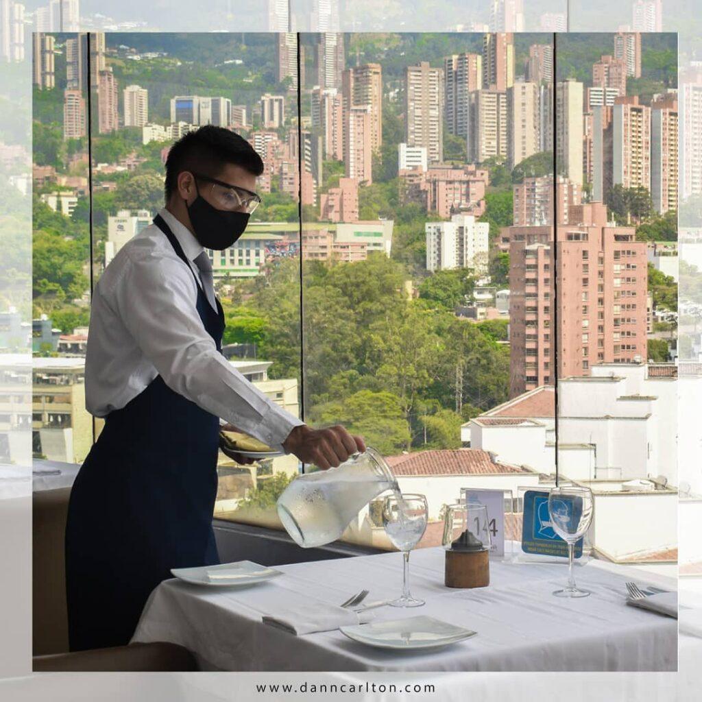hoteles para celebrar aniversario en medellin